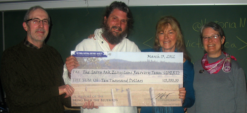 VNHS presents a cheque to GOERT